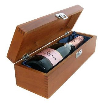 Buy a single bottle of Moet & Chandon Rose NV Champagne 75cl Presented in a luxurious stained wooden box with hinged lid and clasp. The box is lined with silver satin and comes with a Gift Card for your personal message. . Price includes free UK Mainland Delivery, and Exports and international delivery available.