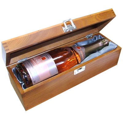 A single bottle of Chassenay d'Arce Rose Champagne 75cl Presented in a luxurious stained wooden box with hinged lid and clasp. The box is lined with Silver Satin and comes with a Gift Card for your personal message. Price includes free UK Mainland Delivery, and Exports and international delivery available.