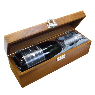A single bottle of Chassenay d'Arce Brut Champagne 75cl Presented in a luxurious stained wooden box with hinged lid and clasp. The box is lined with Silver Satin and comes with a Gift Card for your personal message. Price includes free UK Mainland Delivery, and Exports and international delivery available.