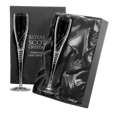2 Royal Scot Crystal Champagne Flutes (260mm) - Saturn - PRESENTATION BOXED - A pair of beautiful hand cut lead crystal Champagne Flutes (260mm), Saturn design in a high quality black leatherette box with black silk lining.