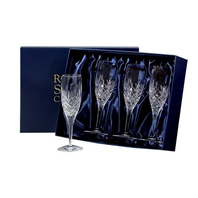 The Edinburgh Flute Champagne is a timelessly, elegant style that is a perfect way to enhance any celebration or special occasion. The long slender style of the champagne glass makes this a perfectly balanced glass, keeps warm hands well away from the champagne and its narrow lip keeps the threads of bubbles flowing. 4 Edinburgh Flute Champagnes supplied in luxury midnight blue presentation boxes.