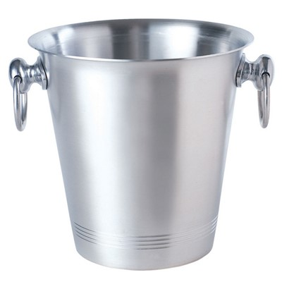 Classic Ice Bucket  Aluminium  A traditional style aluminium ice bucket with two carry handles. As with any aluminium product, rust is not an issue so they will last a long time.Whilst very lightweight they are strong and practical and are perfect for commercial or home use. Ice buckets can be pad printed with a logo for minimum runs of 50. Printing details can be found on the 'Branding section on the website. . Price includes free UK Mainland Delivery, and Exports and international delivery available.