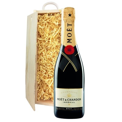 Moet & Chandon Brut Champagne 75cl In Pine Gift Box