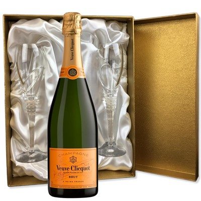 Veuve Clicquot Brut Champagne 75cl in Gold Presentation Set With Flutes