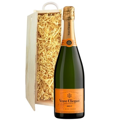 Veuve Clicquot Brut Champagne 75cl In Pine Gift Box